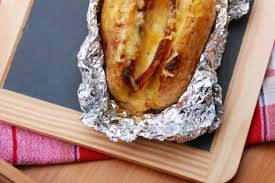 pommes de terre en robe de chambre recette de pomme de terre au four en robe des chs poitrine fumée