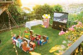 Backyard Movie Theatre by Diy Outdoor Movie Theatre In 4 Easy Steps Real Estate Blog