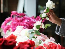 online florist this popular online florist offers more than 30 beautiful bouquets