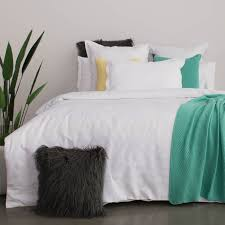 how to choose the right bed covers for a good night u0027s sleep