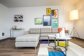 étagère derrière canapé 8 idées pour décorer le mur du salon derrière le canapé