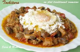 cuisine typique les plats roumaines tochitura plat traditionnel roumaine