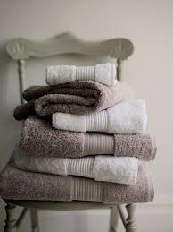 Bathroom Towels Ideas Best 25 Folding Bath Towels Ideas On Pinterest Folding Bathroom