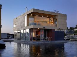 beautiful lake huron floating house by mos inhabitat green floating house maison flottante building with water pinterest