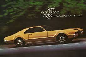 V8 Muscle Cars - oldsmobile toronado made front wheel drive cool muscle car monday