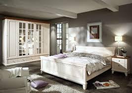 Schlafzimmer Creme Braun Landhausstil Schlafzimmer In Hypnotisierend Wandfarbe Landhaus