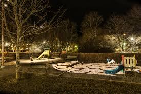 Philips Landscape Light Bulbs by Philips U0027light Up The Dark U0027 Experiment Gives Swedish Children