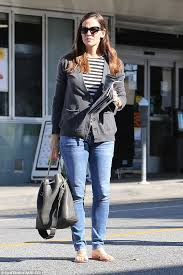 jennifer garner stops by the nail salon in beverly hills daily