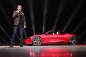 tesla naujasis u201etesla roadster u201c kaitina aistras ir finansuoja naujus