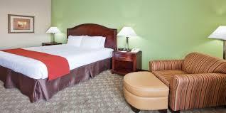 Grayson Mini Crib by Holiday Inn Express Peachtree Corners Norcross Hotel By Ihg