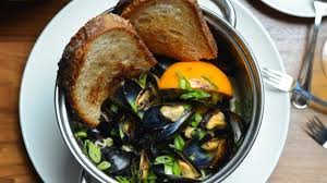 seafood restaurant louie u0027s oyster bar u0026 grille in port washington