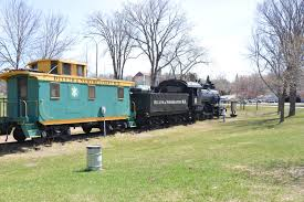 Minnesota travel by train images Seniors enjoy minnesota senior citizen travel jpg