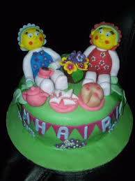 fifi and the flowertots picnic garden birthday cake cakecentral com