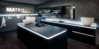 cuisine laqué noir cuisine laque stunning dco noir et bois laquée blanc entretien