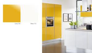 cuisine jaune et blanche cuisine blanche et jaune cuisines blanches et grises cuisine