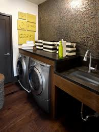 interesting traditional style small laundry room design showcasing