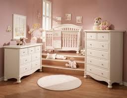 tapis rond chambre design interieur meubles chambre bébé commode tapis rond lit