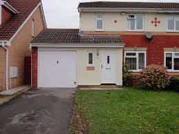 3 Bedroom House 3 Bedroom House Derwen Deg Bryncoch Neath Sa10 7fp In Neath