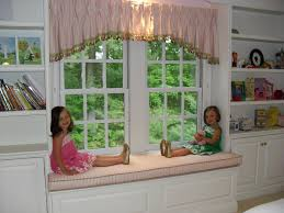 window seat in little u0027s room fabric treatments pinterest