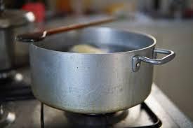 bicarbonate en cuisine 15 trucs utiles pour utiliser le bicarbonate de soude dans le jardin