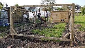 Construire Jardin D Hiver Le Jardin Déborde Construction Du Poulailler