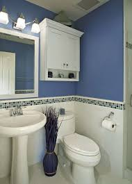 decorating a small bathroom in the simplest way on a tight budget