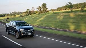 chevy colorado green updated 2017 chevy colorado unveiled in brazil gains new front