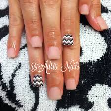 matte natural acrylic nails with chevron inm nails by me
