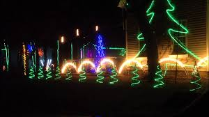 awesome christmas lights to music 2011 wmv youtube