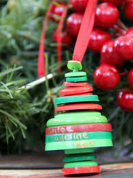 Christmas Decoration Images Upcycle Buttons To Make A Christmas Ornament How Tos Diy
