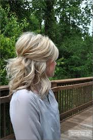 Hochsteckfrisurenen Selber Machen Mittellange Haar Einfach by Die Besten 25 Mittellange Haare Stylen Ideen Auf