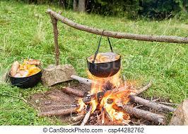 chaudron pour cuisiner brûler ébullition cuisine chaudron extérieur image de stock