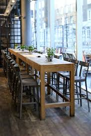table de cuisine haute avec tabouret table haute de cuisine et tabouret la table haute de cuisine est