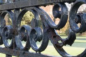 wrought iron vs cast iron metal