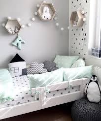 amenagement chambre fille shop the room décoration chambre enfant vert menthe mamans