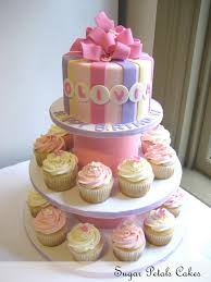 cupcake birthday cake baby birthday cake birthday the top cake is