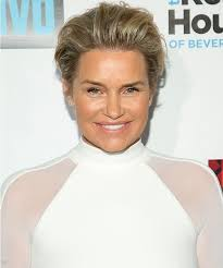 yolanda fosters hair yolanda foster purges her old clothes for a new year s closet