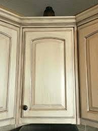 colors for kitchen cabinets with white appliances best color for