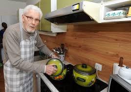 Wohnzimmerm El F Senioren Sechs Siegburger Leben Zusammen Diese Rentner Wg Ist 503 Jahre