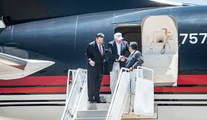 high flying campaigns can u0027t give up charter jets politico