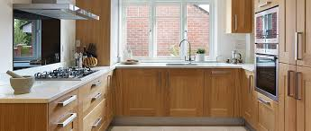 oak kitchen cabinet finishes oak kitchen cabinets all you need to