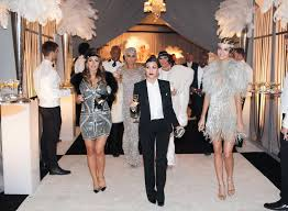 Jay Gatsby Halloween Costume Kourtney Kardashian Jay Gatsby U0026 Kendall Jenner Daisy