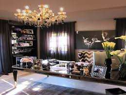 kourtney kardashian living room wallpaper