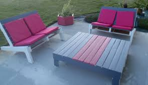comment fabriquer un canap en bois de palette realiser un salon de jardin en palette chez lilypouce