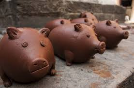 His And Her Piggy Bank A 5 Year Old Thought She Needed To Bribe Meerut Cops With Her