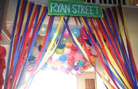 elmo birthday party balloon ceiling decoration youtube