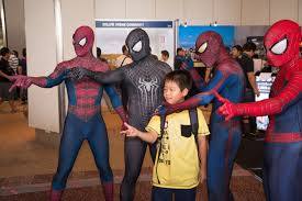 love the guy u0027s lens shape on the far right spider man cosplay
