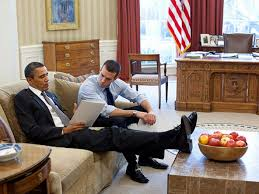 Oval Office Desk by Gallery 8 Photos Of Obama With His Feet Up Hlntv Com