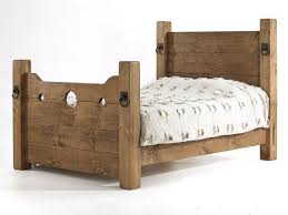 Timber Bedroom Furniture by Best 25 Wooden Beds Ideas Only On Pinterest Rustic Wood Bed