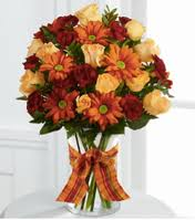 the right flowers for the thanksgiving dinner table centerpiece